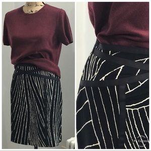 Ann Taylor bold print skirt size 12